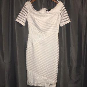 Jax black label white size 2 dress never worn